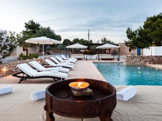 CASA SHANTI, enchanting villa located five minutes' drive from Ibiza town
