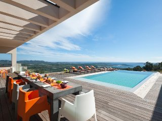 Villa luxe  design piscine et jacuzzi avec vue mer panoramique