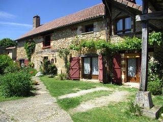 clos de Romefort situe a Langlade a 3 km de Beynac