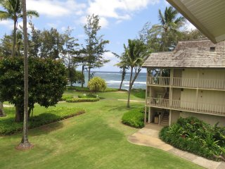 Kauai Kapaa #321 Ocean view condo Vacation Rental by owner oceanfront complex !