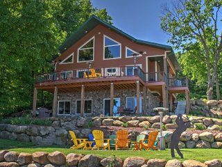 New! Lakefront 4BR Annandale Cabin w/Private Dock!
