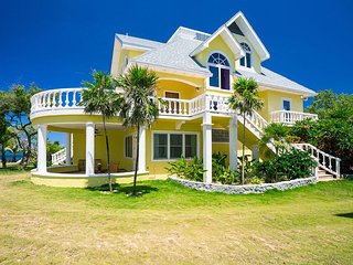 Spacious ocean front home perched on the point, spectacular seaviews and sunsets