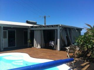 Studio indépendant, dans villa avec piscine.
