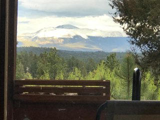 Rocky Mountain Log Cabin--Clean, Quite, Private With An Incredible View!