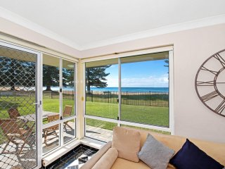Marese 1 - Beachfront Unit