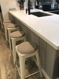 Kitchen bar with seating for 4.
