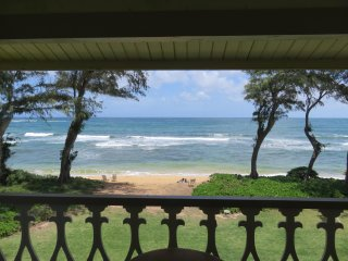 Kauai Kapaa #323 Oceanfront condo Vacation Rental condo by owner Prime location!