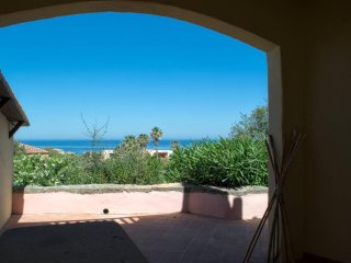 Panoramic Sea Views, Cottage Apartment, 6 min Walk To Beach