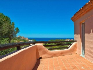 Sea Views Apartment, Just 5 min Walk To Beach
