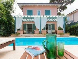 Villa Il Rifugio con piscina a 200 metri dal mare