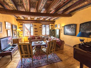 Full of art & history: Marco Polo, a stunning apartment in Riquewihr