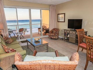 'Paradise on the Gulf' -Beachfront - Renovated 2BR/2BA - Beach Service included