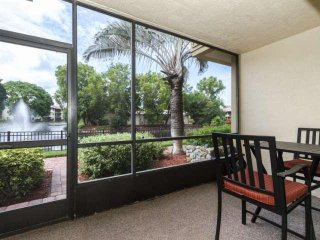 Park Shore Resort, 1st Floor Unit- West of Hwy 41, 1.25 miles to Beach, Great