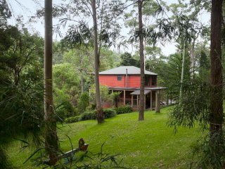 Gully Falls House - Rainforest Retreat House - Barrinton Tops Accomodation