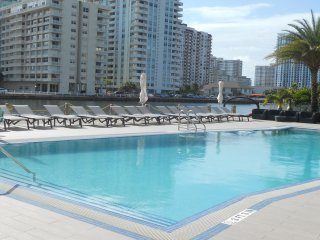 LPH Condo with FREE ACCESS TO THE CLUB Pax6 3106