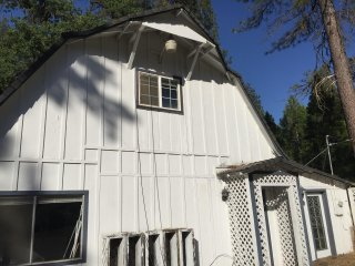 Yosemite and Bass Lake Sleeps 12