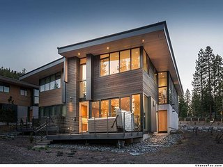 Stellar #8 - Contemporary Ski-in/Ski-out Luxury Townhome w. Hot Tub & HOA Gym