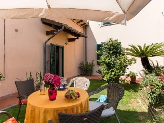Villino Lory with garden and car parking