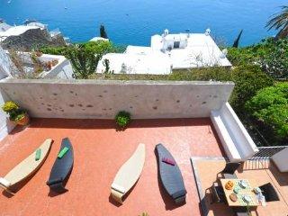 Sea view in Positano centre - 2 bedrooms