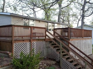 MM 11 Lake House w/Dock Sleeps 7 - No Wake Cove