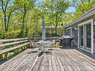 NEW! 3BR Southampton House w/ Delightful Back Deck