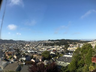-New- Clean, Fun and Exciting View Of Entire San Francisco!