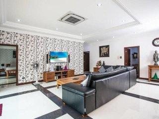 Baan Chatmanee 5 bedroom villa sleeps 10