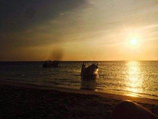 Playa Rodadero Sur a cuadra y media. Arrecifes Centro comercial a  5 cuadras!