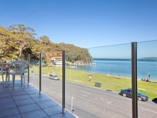 Little Hut, Unit 3/20 Kurrawa Close