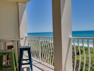 Newly Renovated Gulf Front Condo! Amazing Views! Directly on the beach!