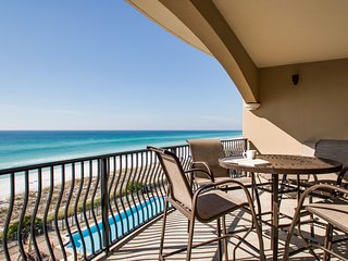 GULF FRONT 3rd Floor Unit! Gulf Front Community Pool ~ Fitness Center