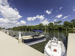 Relax and Enjoy this Florida Waterfront Condo! Beautiful Brand New Townhouse.