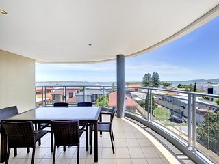 Alta Mira, Flagship Apartment, Unit 11/12 Soldiers Point Road