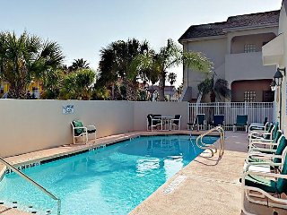 2BR Ground-Floor Condo w/ Pool, Near Beach