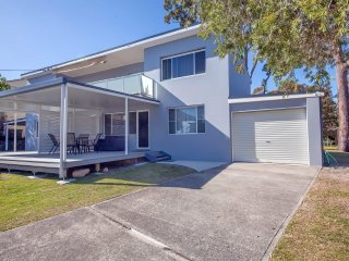 Thurlow Avenue 2/49 - Nelson Bay, NSW