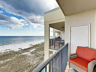 3BR Direct Beach Front Condo w/ Resort Pools & Hot Tubs - Steps to Beach
