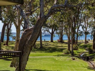 Bay Parklands, Unit 28/2 Gowrie Avenue