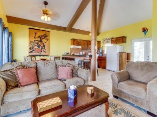 Beachfront condo w/ shared pool, easy access to ocean, great location, & more