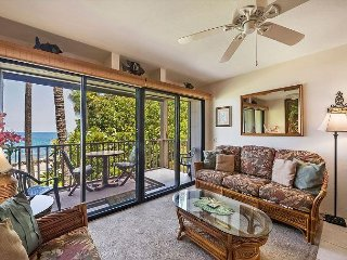 DIRECT OCEANFRONT, Corner 2nd Floor Unit, Kona Isle D21