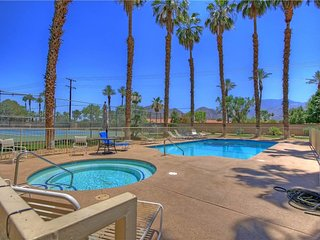 199LQ  LAGO 3 BEDROOM STEPS FROM THE POOL & COURTS