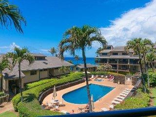 Makahuena 2202: Beautiful 3br condo, spacious inside, view, close to beach.
