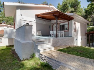 R23 Maisonette in Sani wonderful garden