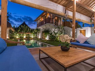 SEMINYAK OBEROI DREAM - 5 BDRM villa - Class & Authenticity