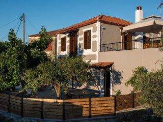 Maro's Village House. Private & Serene Stone Villa