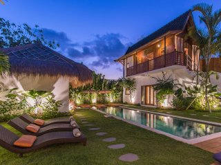 WINTER PROMO!!! SEMINYAK Brand New 5 BR villa: Tradition & Luxury