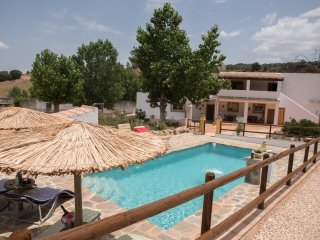 OFFER SEPTEMBER/OCTOBER 20% OFF.... Traditional Cortijo with Pool & Garden