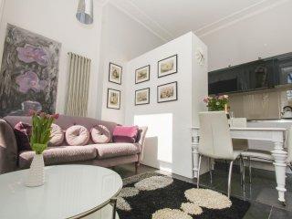 Sussex Square Apartment