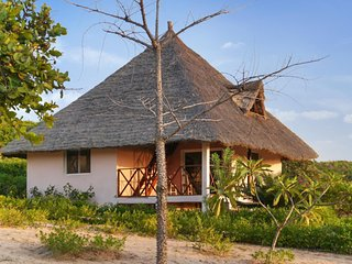 Beachside house in Senegal w/views