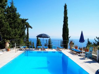 Comfortable apartment in Paxos, Ion