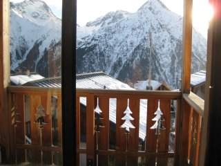 Apartment with one room in Vénosc, with wonderful mountain view and balcony